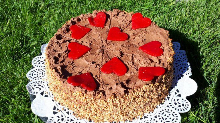 Schokoladentorte mit Krokant und Mousse au Chocolate